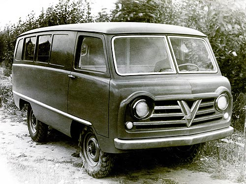 «Буханка» УАЗ-450 отмечает 60-летие