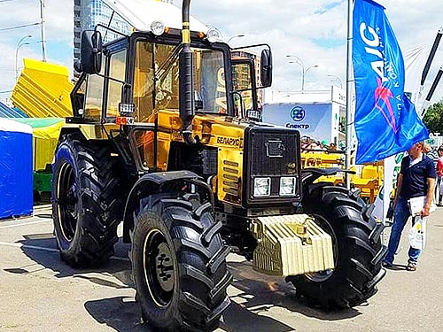 На трактора Belarus стартовала мегараспродажа с выгодой до 60 000 грн.