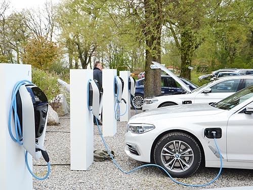 Посланники новой эры: Чем удивят 4-я и 5-я серии BMW