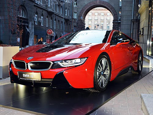 BMW приняли участие в презентации новой коллекции Louis Vuitton - BMW