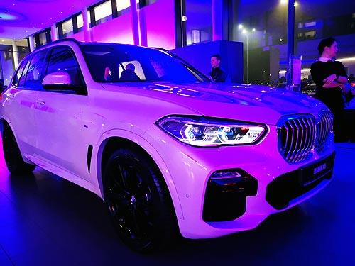 В Украине стартовали продажи нового BMW X5. Чем будет впечатлять новинка