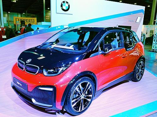 В Украине представили заряженный электрический хэтчбек BMW i3s