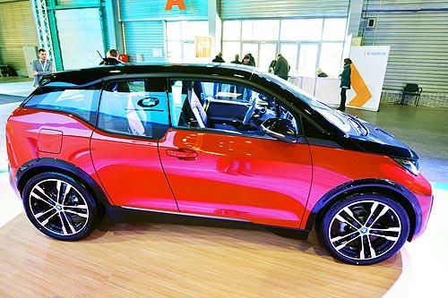 В Украине представили заряженный электрический хэтчбек BMW i3s - BMW