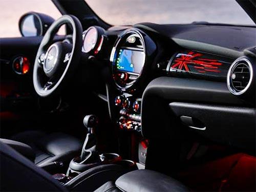Новое поколение хэтбеков MINI и MINI Cabrio уже в Украине - MINI