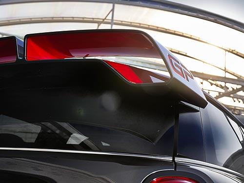Новый MINI John Cooper Works GP появится через год с мотором мощностью более 300 л.с.