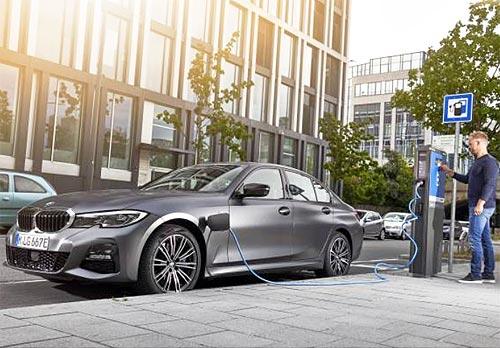 В BMW Group рассказали о стратегии устойчивого развития и новом уровне электромобильности - BMW