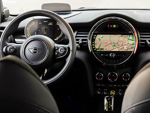 В Украине стартуют продажи нового полностью электрического MINI Cooper SE - MINI
