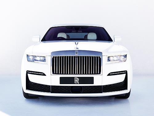 Rolls-Royce переходит на производство в две смены и полностью сохраняет штат