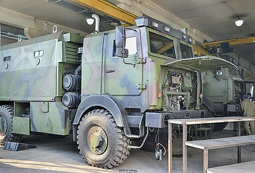 Как бронируют армейские Богдан-МАЗы