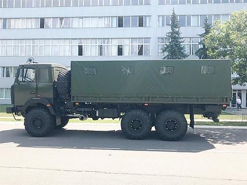 ВСУ передали очередную партию грузовиков Богдан 6317 - Богдан