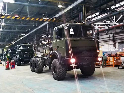 В Черкассах показали процесс производства армейского грузовика Богдан 6317