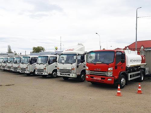 На базе грузовиков JAC в Украине выпустили несколько интересных модификаций