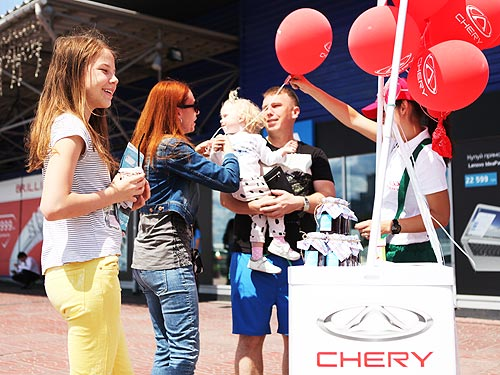 Вишнёвый сезон-2017 стартовал: за первый уикенд было проведено 350 тест-драйвов новинок Chery - Chery