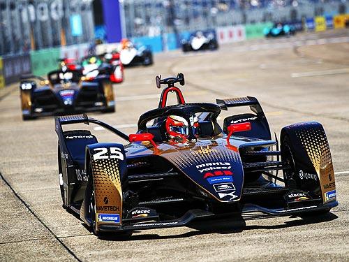 Команда DS TECHEETAH вошла в ТОП-3 Чемпионата Formula E