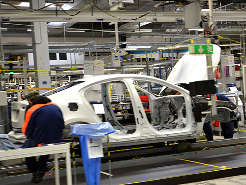 Репортаж с завода Volvo: Ватикан и Монако вместе взятые