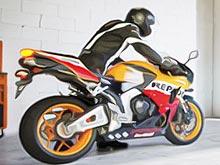 На мототехнику Honda действуют выгодные цены на оригинальные тормозные колодки