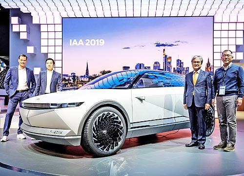 Hyundai на автосалоне во Франкфурте представил концепты электромобилей и новое поколение i10