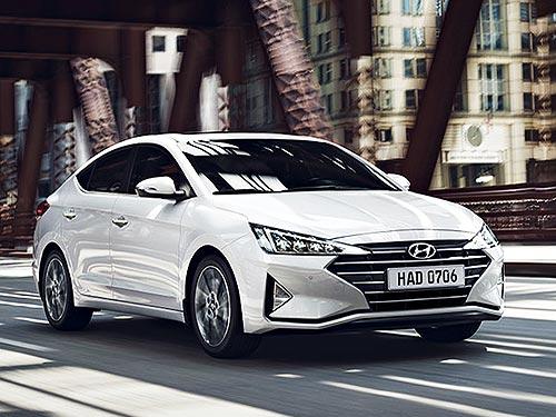 На новую Hyundai Elantra действуют праздничные цены