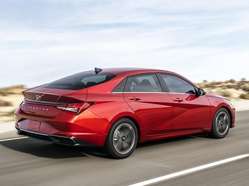 Новая Hyundai Elantra стала Автомобилем Года 2021 в Америке - Hyundai