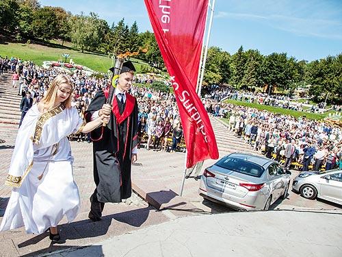 Фалькон-АВТО передает автомобили KIA Национальному транспортному университету - KIA