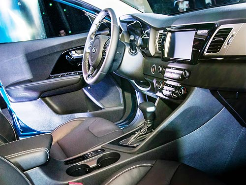 Экономичный кроссовер-гибрид Kia Niro стал доступнее - Kia