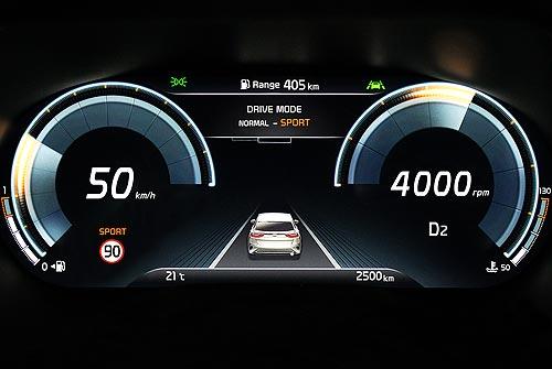 Кроссовер Kia XCeed получит полностью цифровую панель приборов