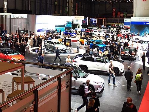 Lexus представил на автосалоне в Женеве сразу две яркие новинки