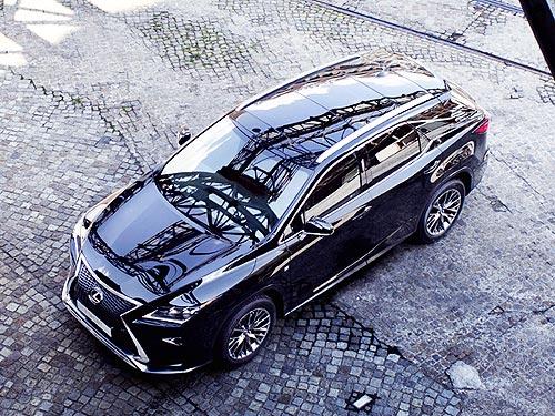 К 30-летию бренда LEXUS выпускает лимитированную версию RX 350