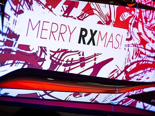 Санта-Клаус выбирает Lexus: обновленный Lexus RX развозит по столице новогоднее настроение - Lexus