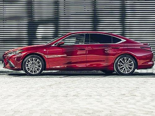 Lexus в Украине предлагает онлайн консультации и выгодные цены на автомобили