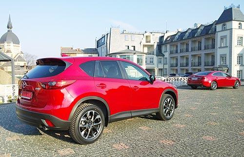 Обновленные Mazda6 и Mazda CX-5 проходят проверку украинскими дорогами