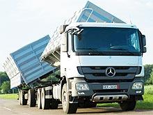 Украинским аграриям доступен зерновоз Mercedes-Benz Actros объемом 80 м куб.