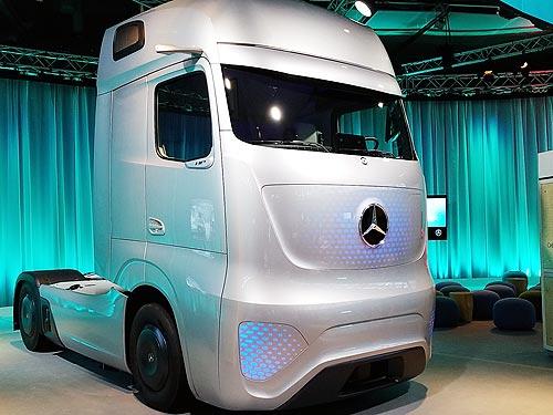 Почему новый Mercedes-Benz Actros стал самым «продвинутым» грузовиком в мире - Mercedes-Benz