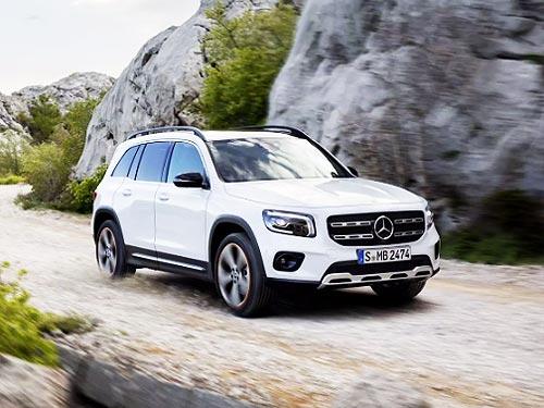 Mercedes-Benz рассекретил еще один кроссовер GLB. Подробности о модели
