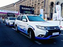 Mitsubishi Outlander PHEV принял участие в Киевском марафоне - Mitsubishi