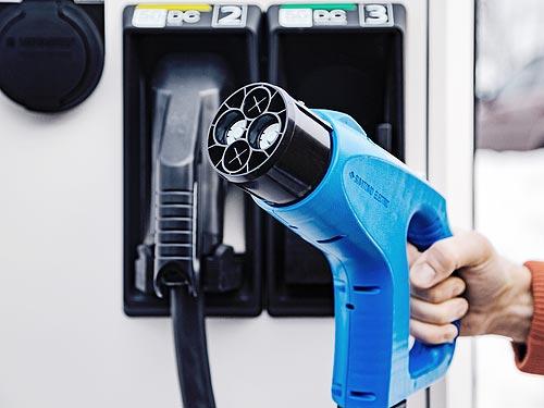 В Великобритании количество зарядных станций для электромобилей уже превысило число топливных АЗС