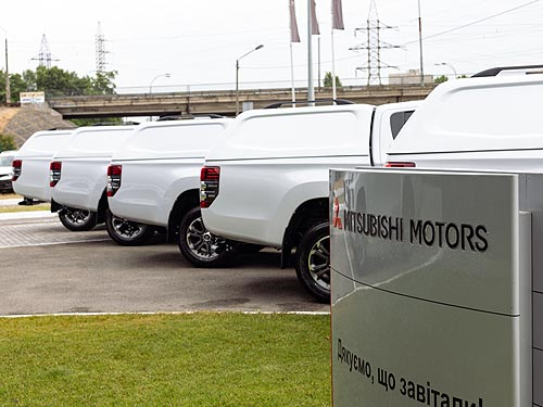 «Киевстар» закупил 25 пикапов Mitsubishi L200 - Mitsubishi
