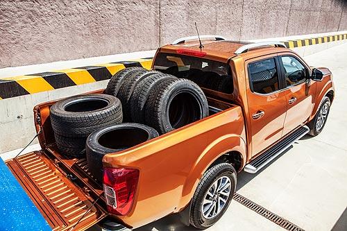 Nissan представляет новый пикап Nissan NP300 Navara - Nissan