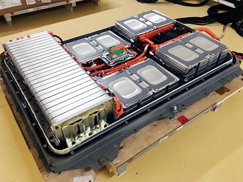 Nissan будет восстанавливать батареи для электромобилей для повторного использования - Nissan