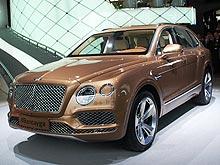 С конвейера Bentley сошел первый серийный экземпляр внедорожника Bentayga