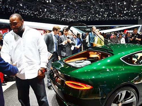 Чем будут поражать дорогие автомобили? Видео