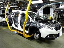Как делают европейский хит продаж - кроссовер Peugeot 2008. Репортаж с завода - Peugeot
