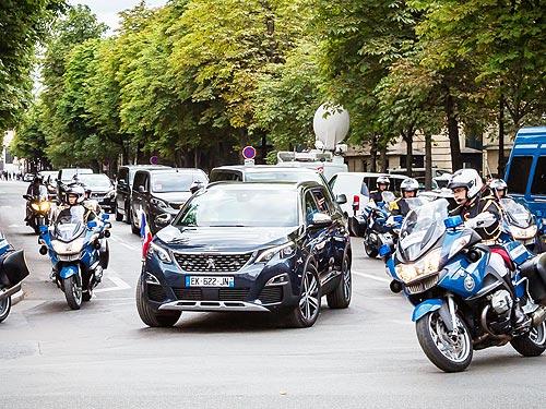 Peugeot 5008 стал президентским авто на День взятия Бастилии - Peugeot