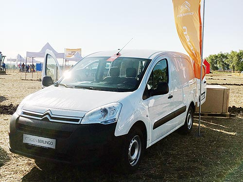 Peugeot и Citroen продемонстрировали автомобили аграриям - Peugeot