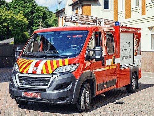 В Украине выпустили уникальный пожарный автомобиль на шасси PEUGEOT Boxer