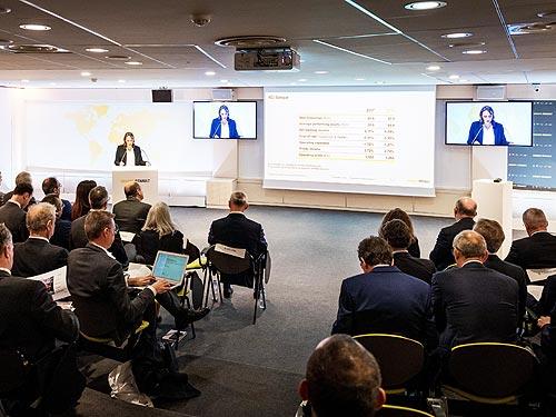 Продажи Groupe Renault выросли на 3,2% до 3,9 млн автомобилей, выручка достигла 57419 млн. евро