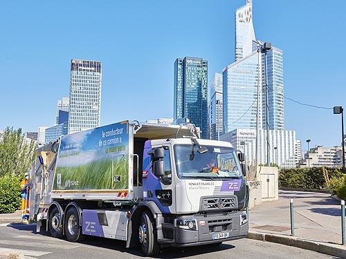 В Париже начали эксплуатацию электрических мусоровозов Renault Trucks D Wide Z.E.