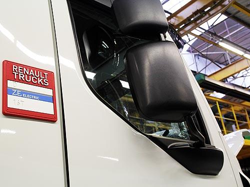 Renault Trucks поставила первый серийный электрогрузовик Renault D Z.E.