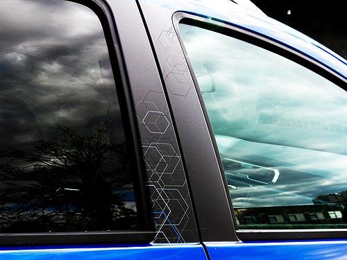 В Украине стартовали продажи лимитированных версий Renault Ultramarine - Renault