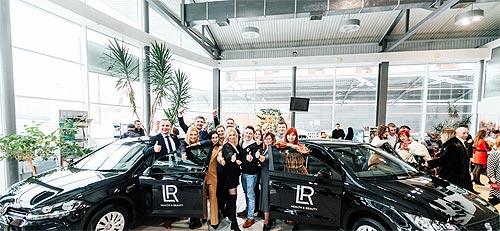 Представители косметической компании будут ездить на SEAT и Volkswagen - SEAT